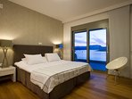 Main Ensuite Bedroom - When sleeping there it gives a feeing of being on the sea!