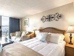 Queen Bed Vacation Rental Waikiki