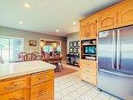 Additional appliances: 4 & 6 quart crock pots, blender, griddle, & hand mixer.