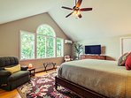 Boston Fern master bedroom with lake views, 50' smart tv, basic cable tv channels and Blu ray player