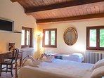 Room N1: Double Bedroom + 2 Single Bed