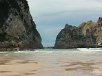 la playa de La Franca a tan solo 8 km