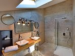 L'Amoureuse, Salle de bain