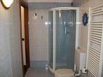 2° bath with shower