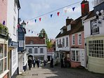 One minutes walk - Lymington's Quay Hill