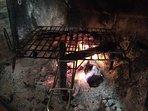 Te recomendamos patatas, longaniza, chorizo y morcilla envuelto en papel albal y... al fuego!, mmmmm