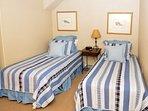 1st guest bedroom.JPG