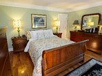 The Premier Queen Bedroom Suite can connect to either the Regal or Royal Suites from inside the room