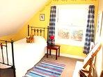Cosy single top floor bedroom