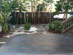 Courtyard / jacuzzi