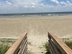 Beach Front, 5 bedroom, 3 1/2 bath, 3 King beds, 11 total beds, sleeps 16.  Excellent 5 star ratings