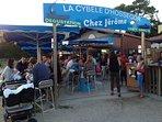 Au fond du lac dégustation d'huîtres et Jambon de Bayonne avec du vin blanc...
