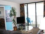 Living Room 40'TV