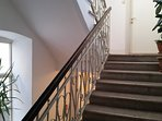 90 stairs to the apartment in the 4th floor - no elevator