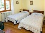 Dos habitaciones tienen cama doble, el resto tienen dos camas.