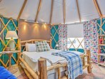 If you're traveling with  more than 6 guests, you can rent the yurt for an additional fee!
