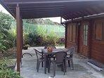 Terraza cubierta, donde se puede desayunar.