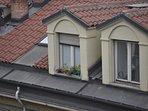 Gli abbaini che primeggiano sui tetti.