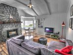 Quaint Ocean Front Cottage with Private Hot Tub! FREE NIGHT!