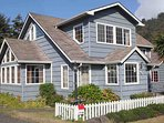 Yachats Landmark Home with Ocean View! FREE NIGHT!