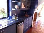 Dishwasher, toaster, kettle, Coffee-machine, fridge-freezer, microwave, juicer, tosti,