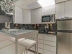 Art Deco Deluxe 3 Room Suite