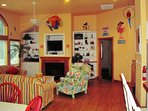 Large Home Beautifully decorated in Fun Caribbean Style Decor. Spread Rm, 10 TV's, Oversized Lot-