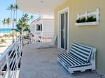 Terrace full furnished, overlooking the Ocean!