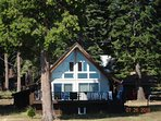 LaMaire - Lake Almanor Country Club LAKEFRONT with Dock & Buoys
