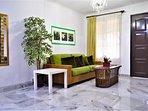 56 Homestay4u Subang Jaya (green house) - Spacious and cozy main Living area (ground floor), aircond