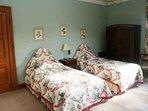 'Golden Eagle' twin bedroom