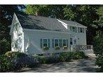 San Jewel Cottage-Charming Cottage close to Rockport Harbor
