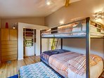 Bunk beds with additional twin trundle option