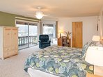 Ocean View Master Bedroom w/King bed