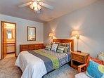 Woodbridge Inn Condo Master Bedroom Frisco Lodging Vacation Rent