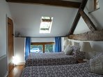 Wagtails Cottage - bedroom