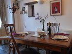 Wagtails Cottage - dining
