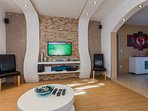 H(11): living room