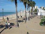 Paseo Marítimo y playa de Regla.