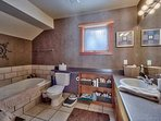 Spa like ensuite bathroom with steam shower