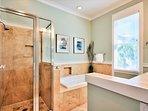 2nd Floor King Suite Bathroom