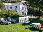 Kid friendly house with big garden very close to Bellagio
