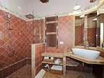 PIENZA Ensuite Bathroom with Large Shower Head, Heated Towel Bar and Toilet/Bidet