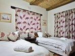Steenbok Self Catering Cottage - Bedroom 2