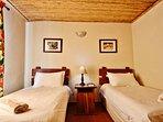 Grysbok Selfcatering Cottage - Bedroom 2