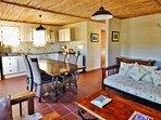 Grysbok Selfcatering Cottage - Dining room, Kitchen, Lounge