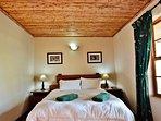 Grysbok Selfcatering Cottage - Bedroom 1