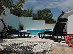 Holiday House Pine Tree - Three Bedroom Holiday Home with Pool