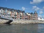 B2 Waterfoot Seafront apt with unrestricted sea views -fab.. and free wi-fi too!