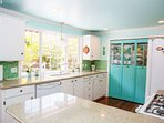 Bright & open kitchen